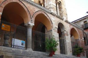 Vivi Minturno Scauri - Chiesa San Pietro Apostolo | viviminturnoscauri.it